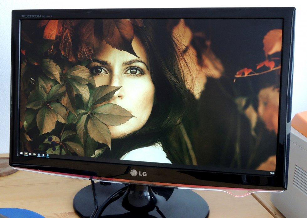 LCD LG Flatron W2261VP - oprava