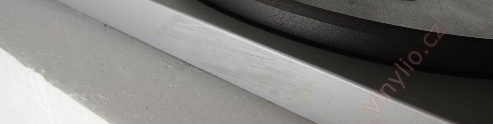 Tesla MC600Q - poškodenie farby po čistení acetónom