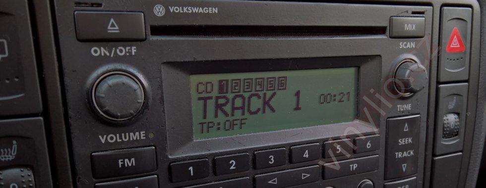 Simulovaný CD menič a prehrávanie z telefónu cez bluetooth